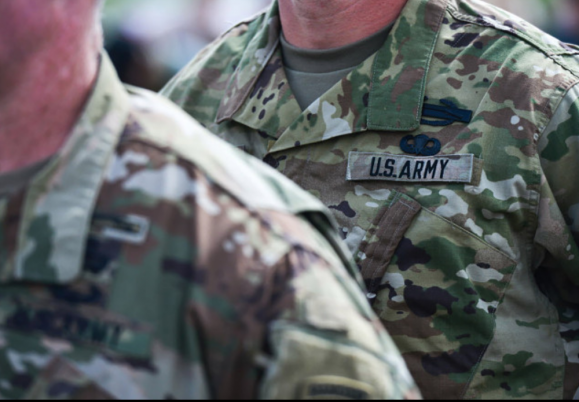 Army to soldiers who re-enlist: We'll pay you $90,000