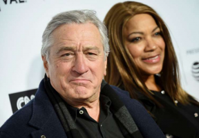 Robert De Niro and ex ignore each other during court hearing
